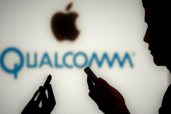 """Qualcomm tố Apple đòi được """"lót tay"""" 1 tỷ USD mới dùng chip Qualcomm"""