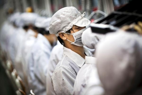 Foxconn sa thải 50 ngàn công nhân thời vụ sớm hơn dự kiến vì iPhone bán ế