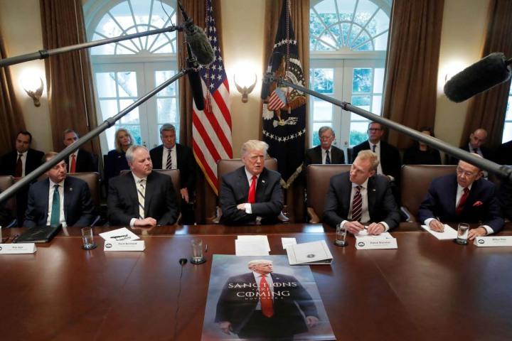 Tại sao Tổng thống Mỹ có quyền đóng cửa chính phủ?