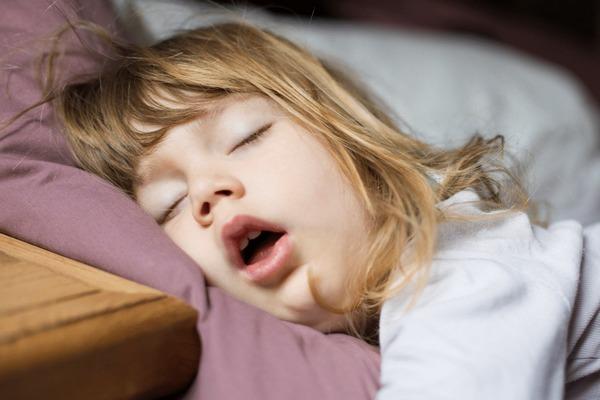 Ngủ ít có thể làm tăng nguy cơ tắc nghẽn mạch máu và đột quỵ cao hơn tới gần 30%