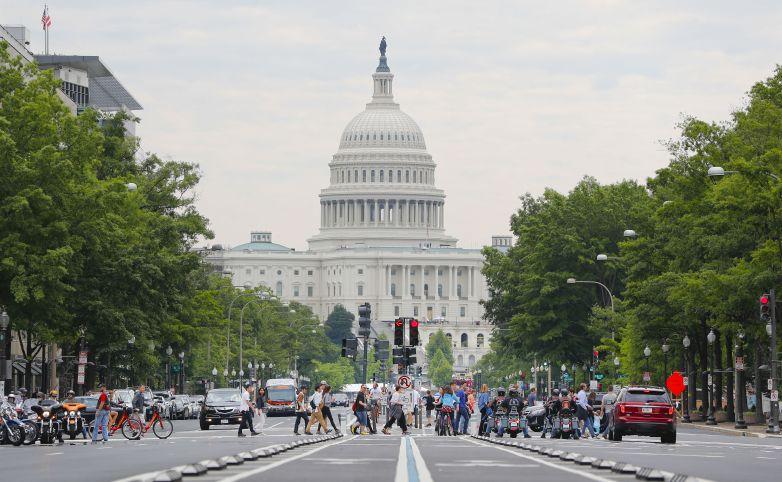 Nhân viên chính phủ Mỹ làm lái xe cho Uber trong lúc chính phủ đóng cửa
