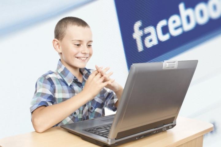 Facebook bị tố khuyến khích các hành vi lừa trẻ em và phụ huynh tiêu tiền vào các món đồ trong game