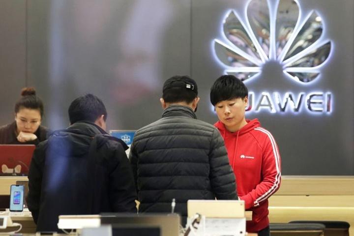 Chính quyền Trump đang thuyết phục các đồng minh tẩy chay Huawei trong cuộc chiến giành quyền thống trị mạng 5G