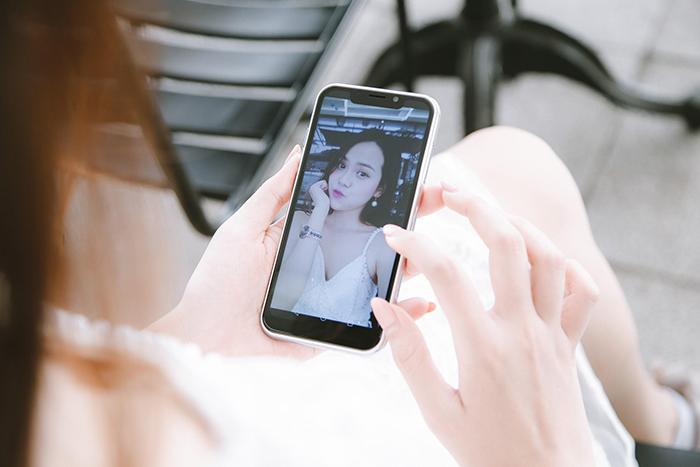 Coolpad N5C: Smartphone khung kim loại, hai mặt kính giá chỉ hơn 2 triệu đồng
