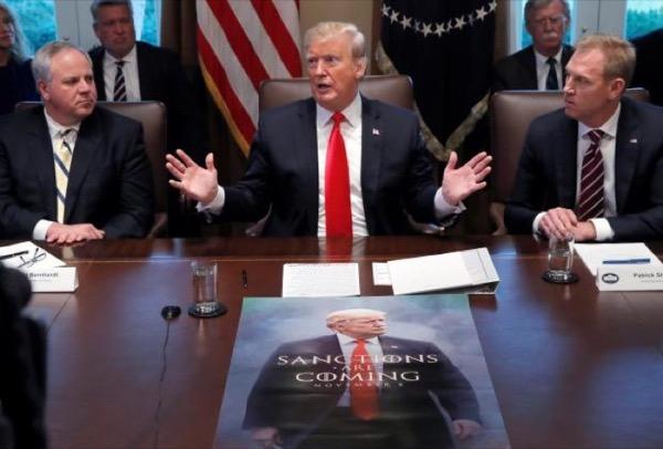 """Chùm ảnh: Những khoảnh khắc """"khó đỡ"""" của Donald Trump trong 2 năm đầu làm Tổng thống Mỹ"""