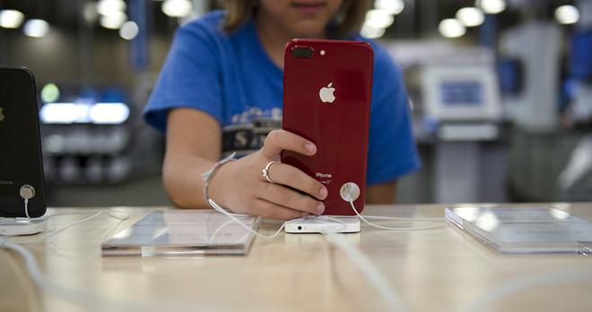 Apple bị chất vấn vì lỗ hổng FaceTime