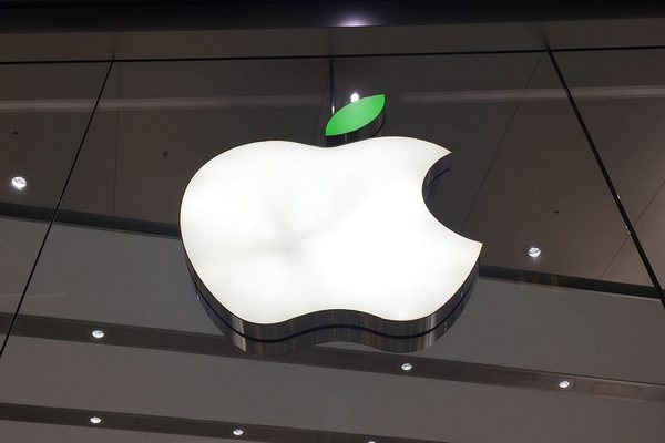 Apple đòi lại danh hiệu công ty giá trị nhất thế giới, nhưng tương lai vẫn mịt mù