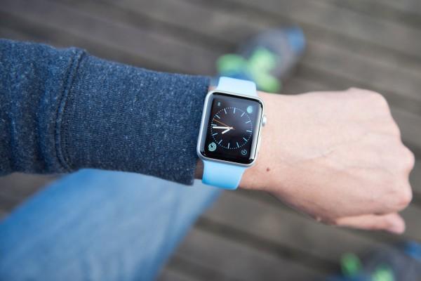 Apple Watch lại cứu người bằng tính năng Fall Detection