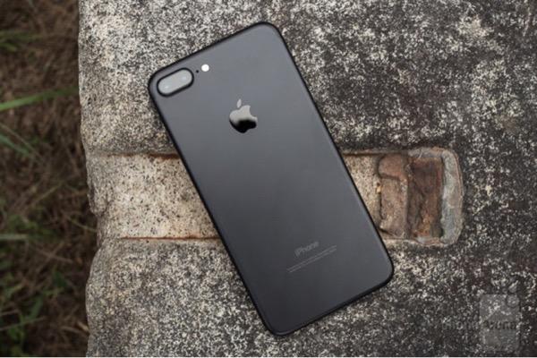 Apple thay đổi kết cấu iPhone 7 và 8 để tránh lệnh cấm bán tại Đức