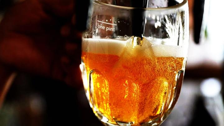 Uống rượu trước kia hay bia trước rượu thì tác hại cũng như nhau