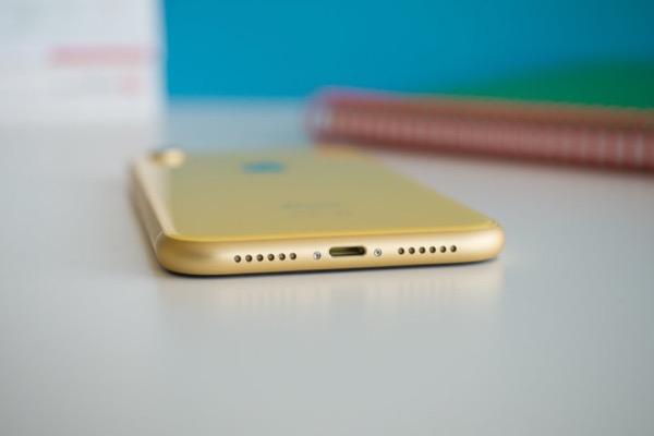 iPhone 2019 dùng cổng Lightning, vẫn chỉ tặng kèm sạc 5W?