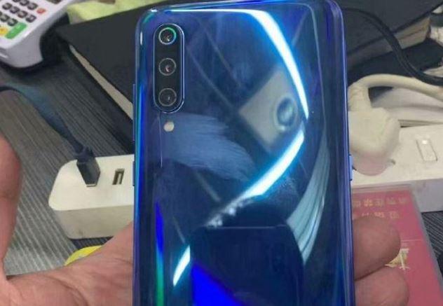 Xiaomi Mi 9 lộ ảnh thực tế, cảm biến vân tay trong màn hình