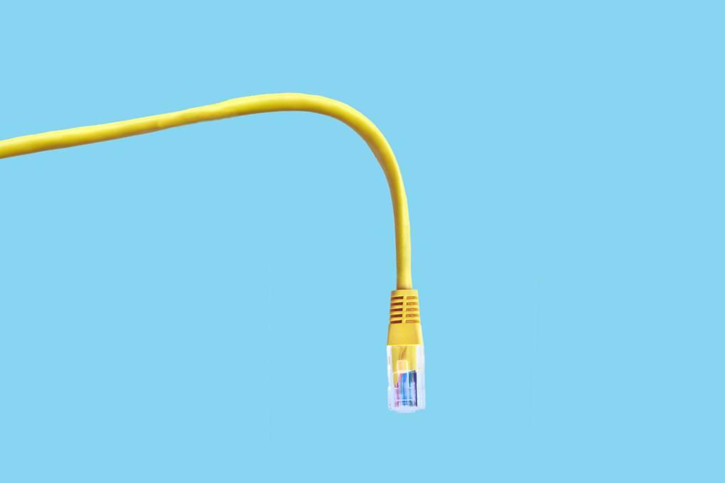 """Cách dùng router của chúng ta tạo ra """"mỏ vàng"""" cho hacker!"""