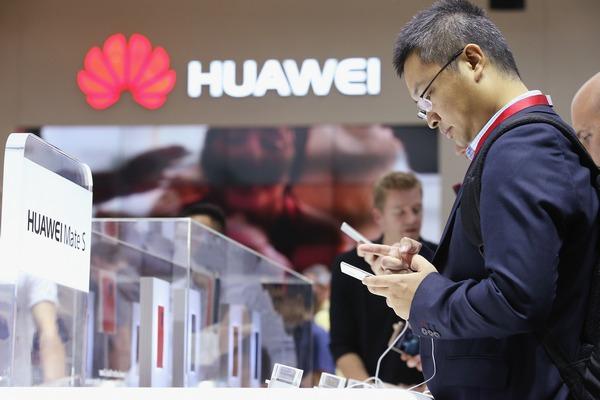 Điện thoại Trung Quốc xâm lấn Châu Âu, Samsung, Apple thất thế