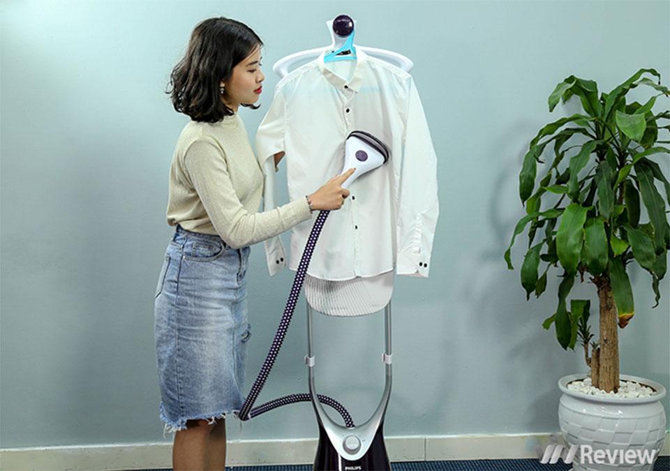 """Đánh giá bàn ủi hơi nước đứng Philips ComfortTouch Plus GC558: """"đặc trị"""" vải mỏng và cầu kỳ"""