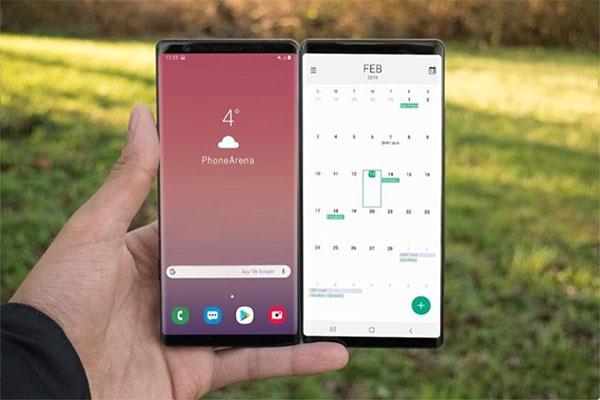 Smartphone gập của Samsung có tên gọi là Galaxy Fold, màn 7.3 inch