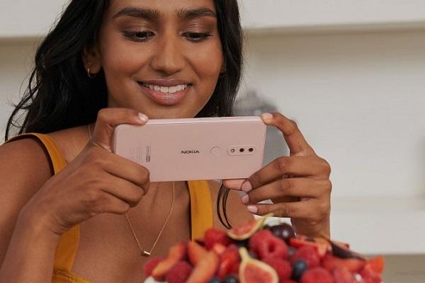 """HMD tung ra """"một mớ"""" smartphone giá rẻ và điện thoại cơ bản: Nokia 1 Plus, 3.2, 4.2 và Nokia 210"""