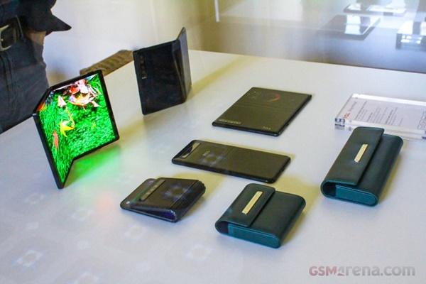 Trên tay màn hình và smartphone có thể gập của TCL