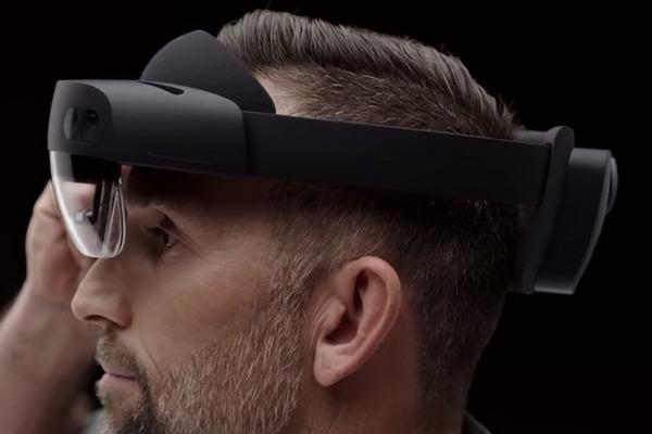 Microsoft HoloLens 2 ra mắt: gọn nhẹ hơn, trường nhìn rộng hơn, giá tới 3.500 USD