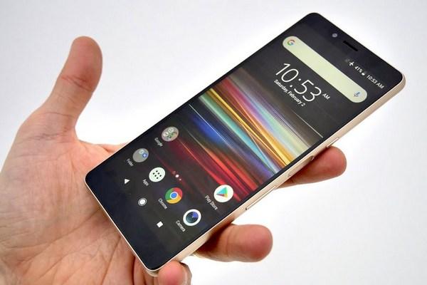Sony trình làng Xperia L3 giá rẻ dùng chip MediaTek Helio P22, camera kép