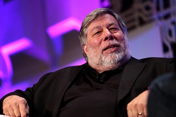 "Đồng sáng lập Apple Steve Wozniak ""kết"" smartphone gập, lo sợ Apple tụt hậu"