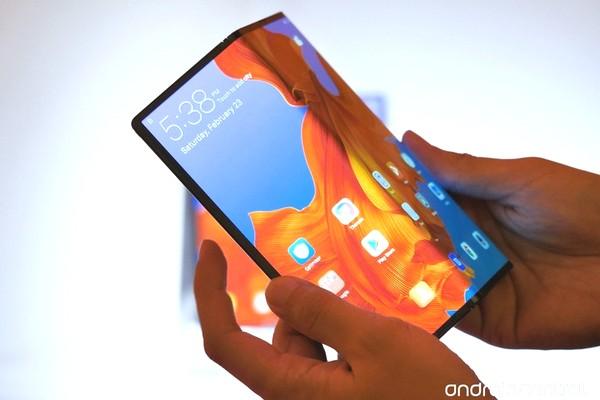 Mua smartphone màn hình gập trong năm 2019 sẽ là một sai lầm!