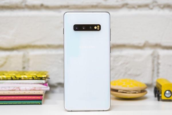 """""""Mổ"""" Samsung S10+: chi phí linh kiện 420 USD, SoC rẻ hơn 9 USD so với trên S9+"""