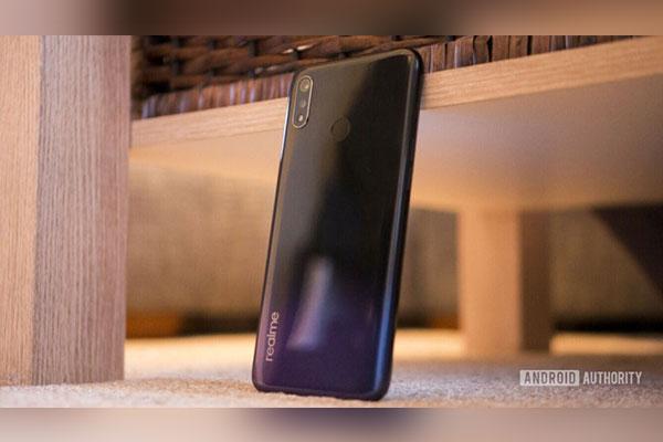 Realme 3 ra mắt: màn HD+ 6.22 inch, chip Helio P70, giá rất mềm
