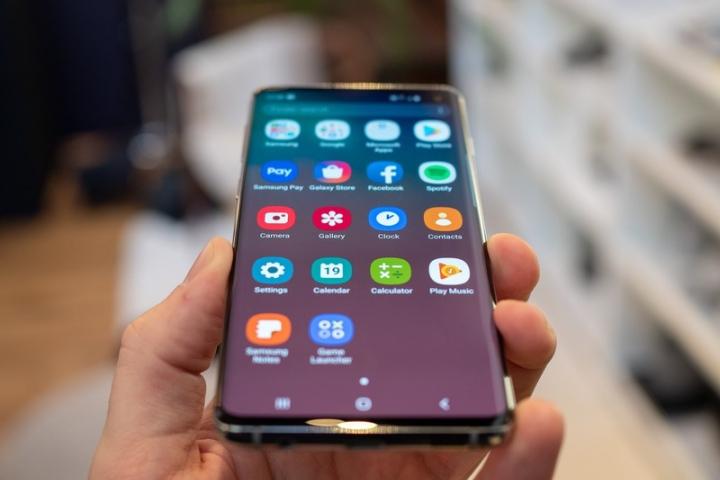 Sạc nhanh Samsung Galaxy S10 vẫn còn phải cải tiến nhiều