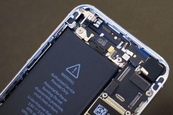 Tin vui: Apple sẽ chấp nhận sửa chữa iPhone dùng pin của bên thứ ba