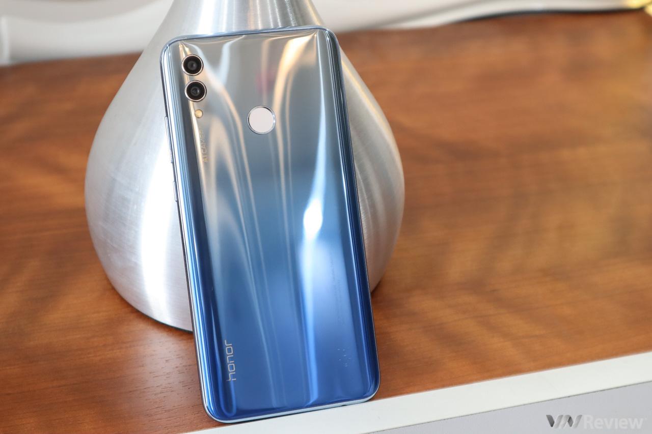 Đánh giá Honor 10 Lite: smartphone 5 triệu đồng cho người trọng thiết kế và selfie