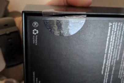 Ngay ngày đầu bán ra, người dùng đã bức xúc vì nhận phải Galaxy S10 bị bóc seal