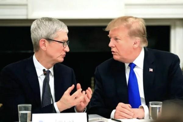 Tổng thống Trump giải thích gọi Tim Cook thành Tim Apple để tiết kiệm thời gian