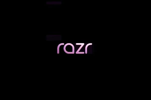 Smartphone gập vỏ sò Motorola Razr: cấu hình tầm trung, giá đắt hơn XS Max