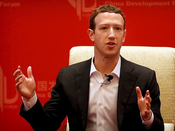 Tin Facebook bị điều tra hình sự dồn dập trong ngày bị sập mạng