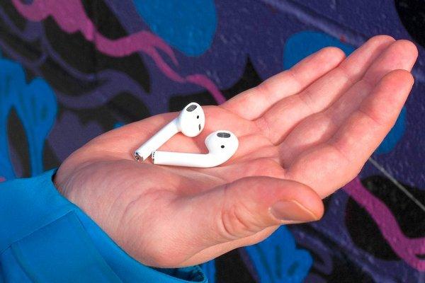 Apple bán được 35 triệu chiếc AirPods, chiếm 75% phân khúc tai nghe không dây trong năm 2018
