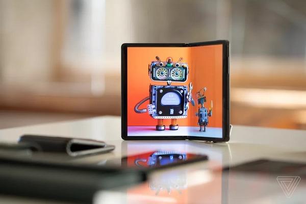 Những ý tưởng thú vị về smartphone màn hình gập của tương lai