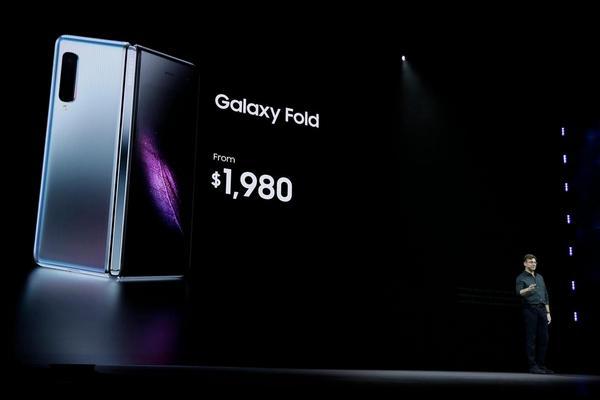 Bao giờ thì smartphone màn hình gập mới có giá phải chăng hơn?