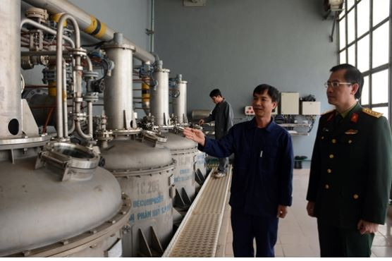 Việt Nam đã làm chủ sản xuất thuốc phóng tên lửa, rocket