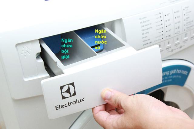 Vệ sinh ngăn đựng chất tẩy rửa của máy giặt