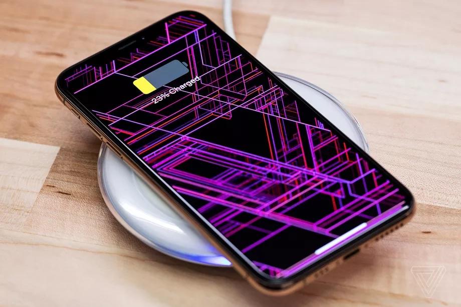 iPhone sắp có tính năng sạc ngược không dây cho thiết bị khác