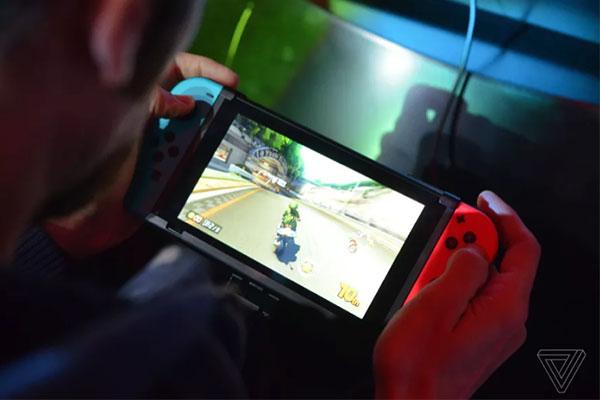 Nintendo sẽ ra mắt hai máy Switch mới trong năm nay: một giá rẻ, một cao cấp?