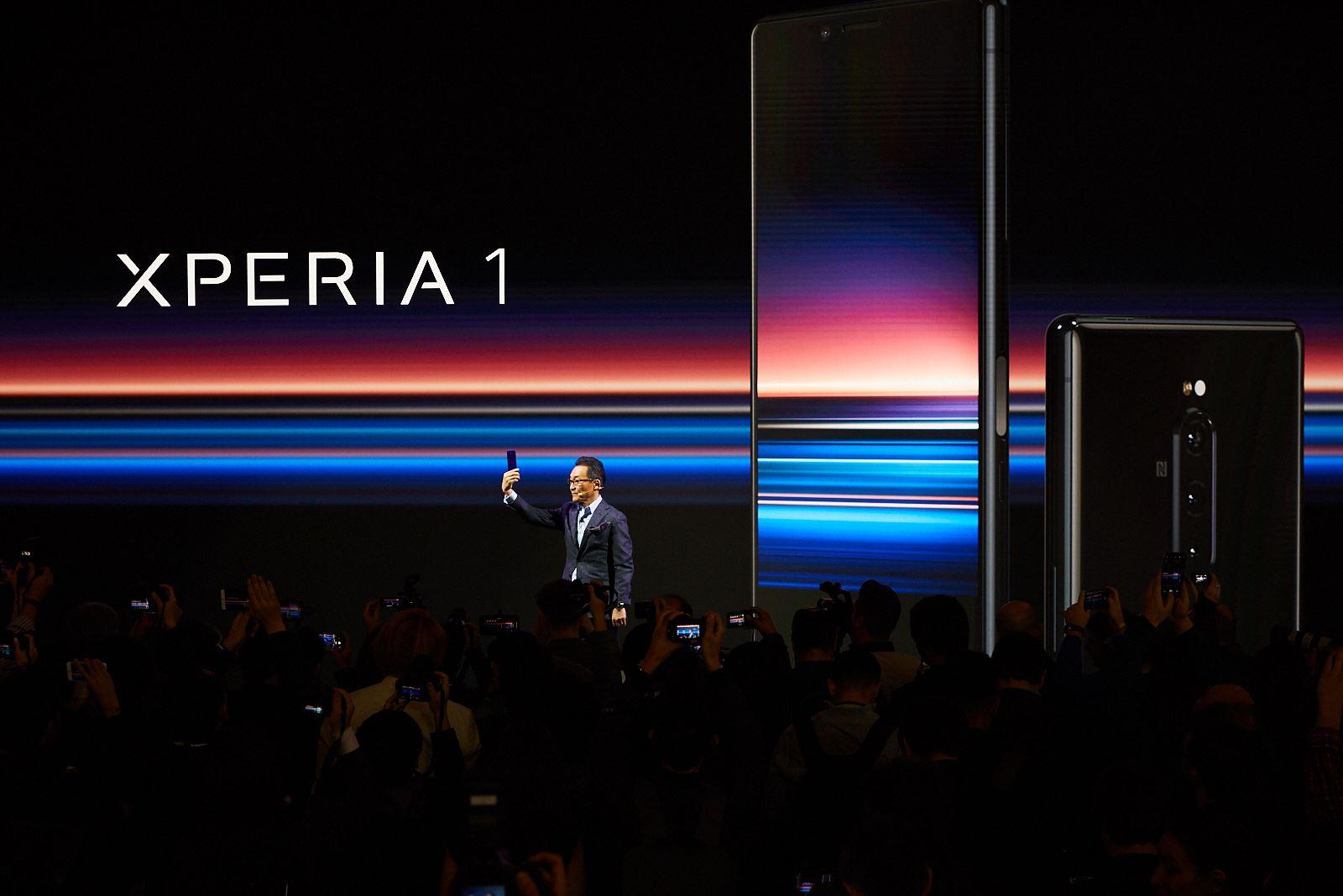 Sony hợp nhất 3 mảng điện thoại, máy ảnh, truyền hình làm một, quyết tâm vực dậy smartphone Xperia