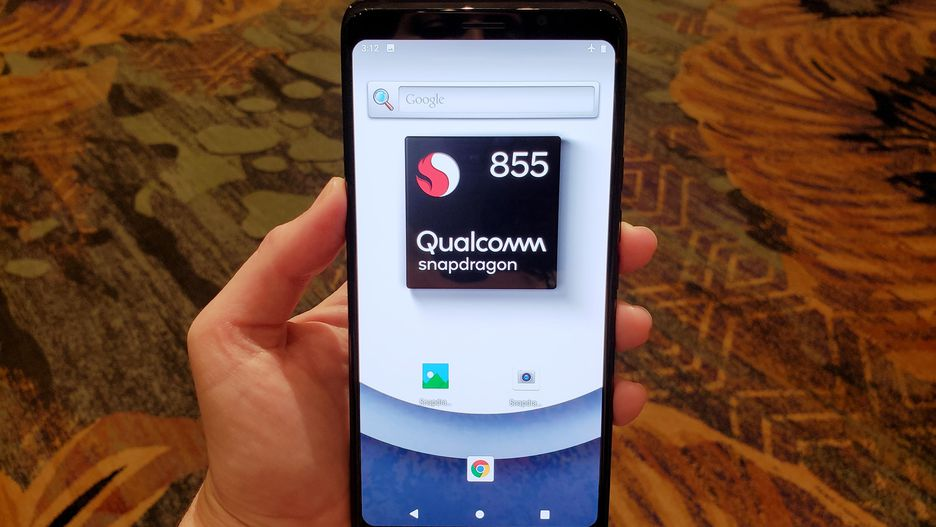 Nên mua Galaxy S10 chính hãng (Exynos 9820) hay hàng xách tay chạy Snapdragon 855?