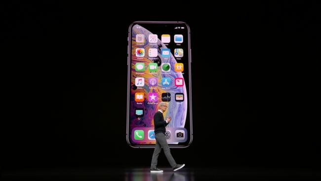 """Apple Card, Apple TV Plus, Apple Arcade: Chỉ là những cách gọi khác của hai tiếng """"iPhone""""!"""