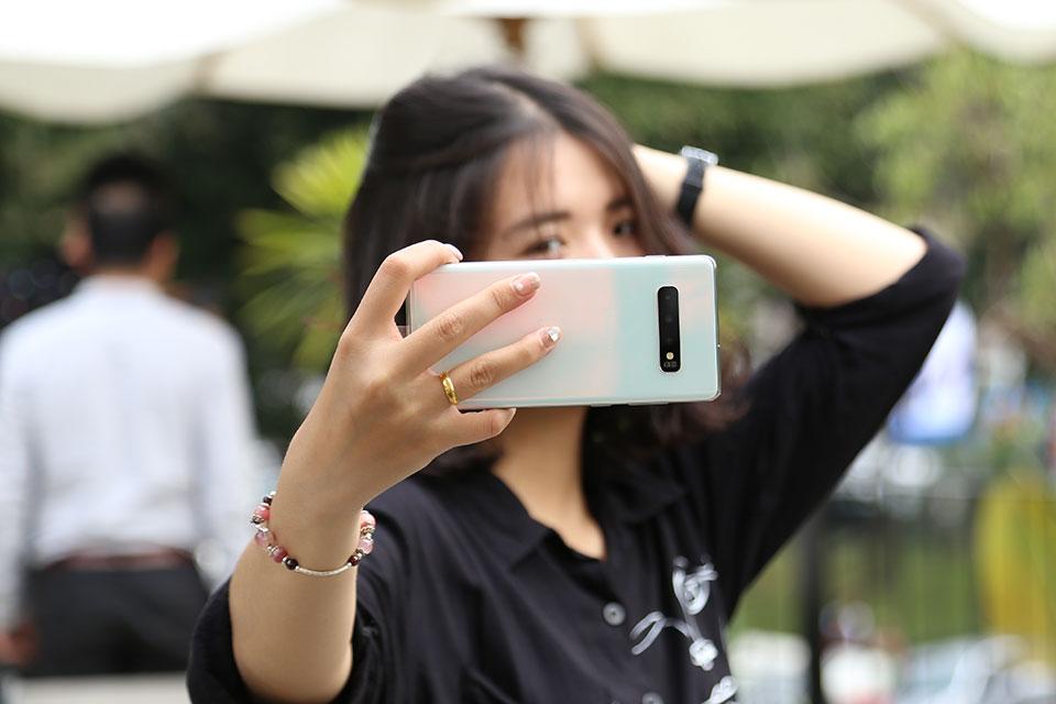 Đánh giá camera Samsung Galaxy S10+: nhiều hơn có tốt hơn?