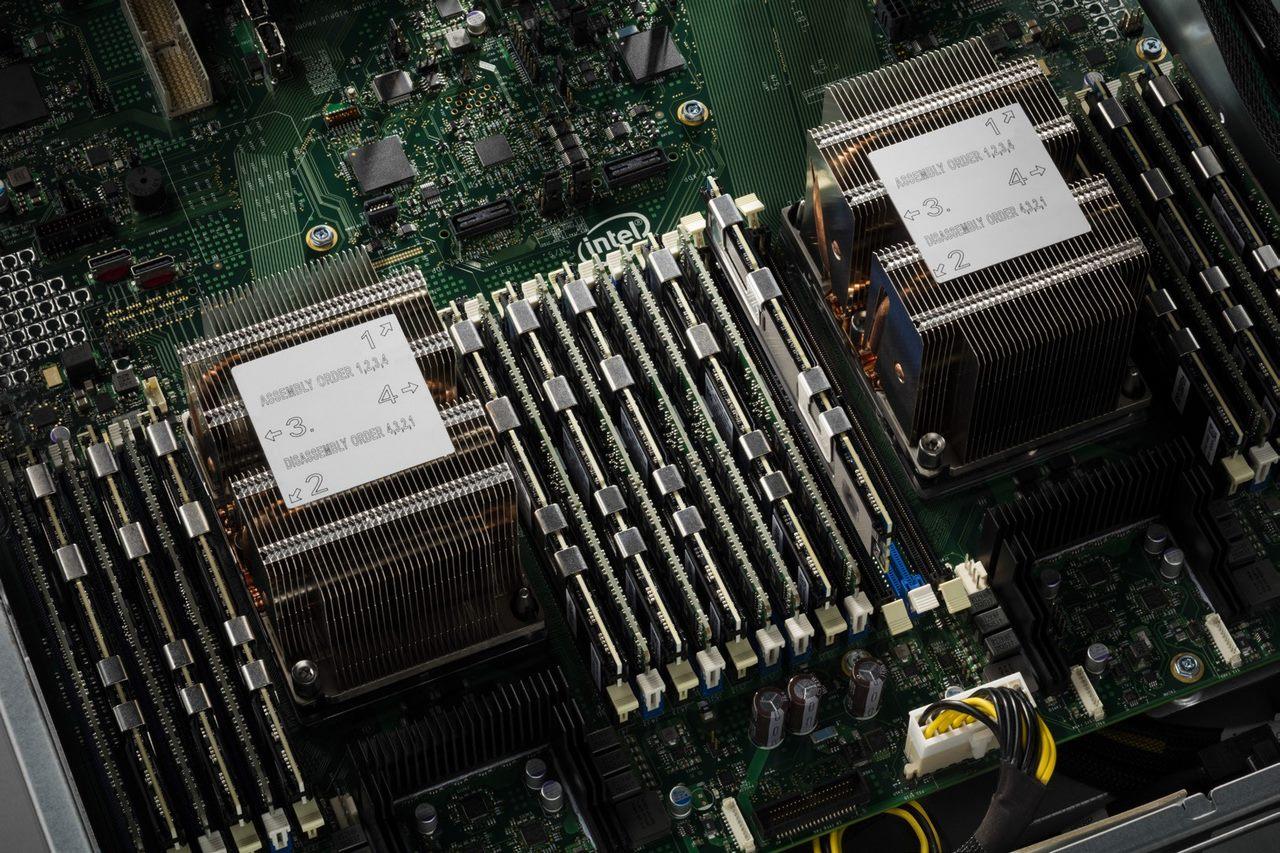 Intel trình làng Xeon Scalable thế hệ 2 và Optane DC Persistent Memory chuyên cho máy chủ
