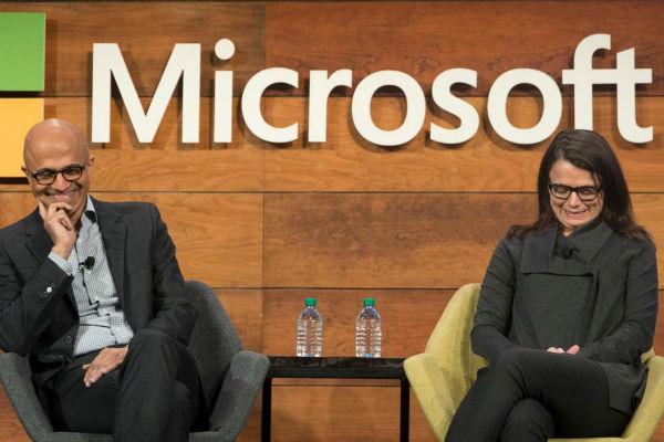 """Hàng chục nữ nhân viên Microsoft tố bị quấy rối tình dục, mời gọi """"ngồi lên đùi"""" nam đồng nghiệp"""
