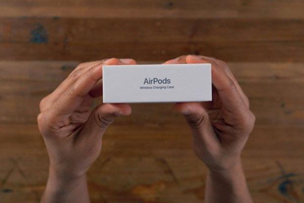 Amazon sắp ra mắt tai nghe không dây trang bị Alexa để cạnh tranh với AirPods