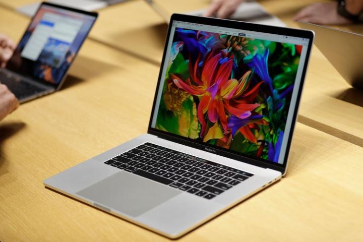 Lỗi bàn phím lẫy bướm trên MacBook đã làm khổ người dùng trong suốt 4 năm qua như thế nào?